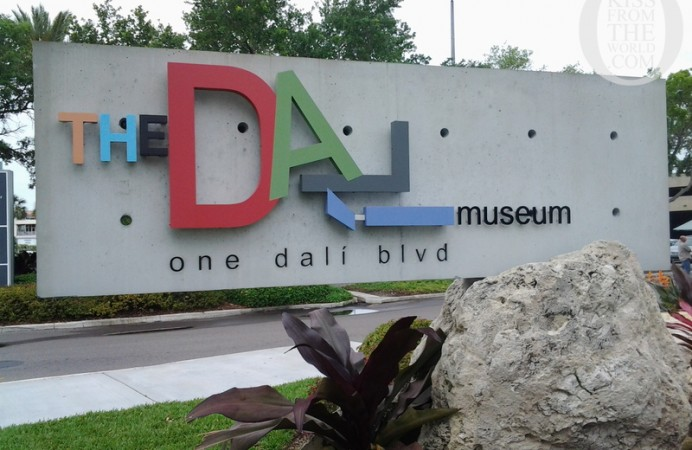 001_U.S.A._St._Petersburg_The_Dali_Museum___St._Petersburg__Florida_Kiss_From_The_World_travel_and_people_magazine