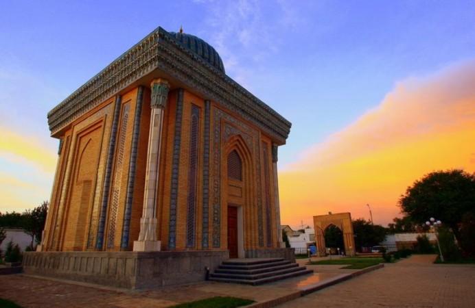 19Abu-Mansur-Mosque-in-Samarkand-Uzbekistan-800x600