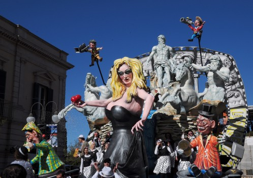 2-la-dolce-vita-carnevale-putignano-20131