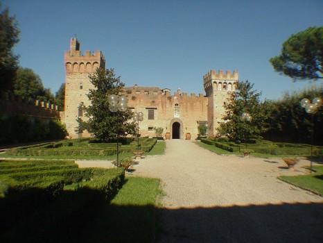 24015-castello-1