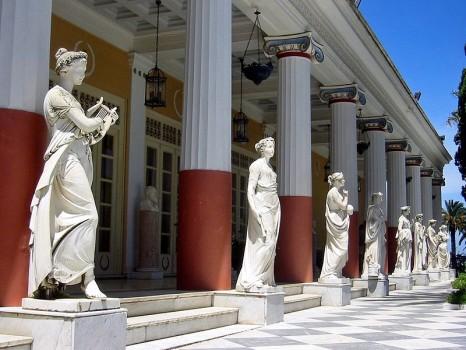 800px-Achilleion_Terrace_Corfu1