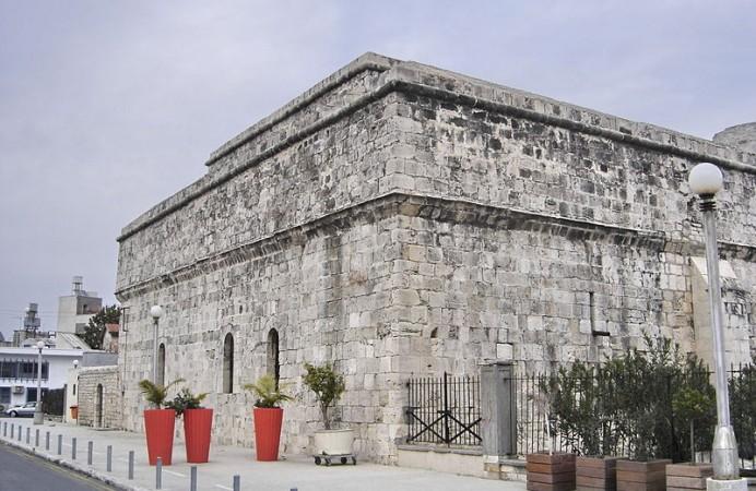 800px-Limassol_-_Château