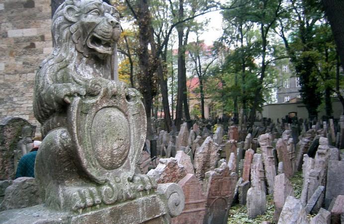800px-Praha_Jewish_Cemetery_2003