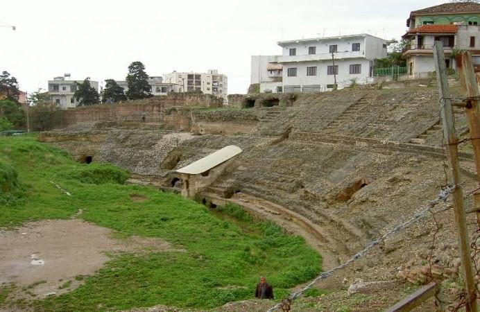 Amphitheatre_of_Dürres