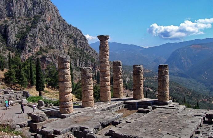 Atene-escursioni-Delfi-tempio-di-Apollo