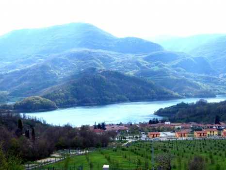 borgo_san_pietro_lago_salto_panoramica_2008