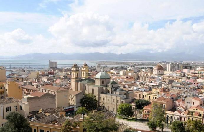 Cagliari_-_vista_aerea