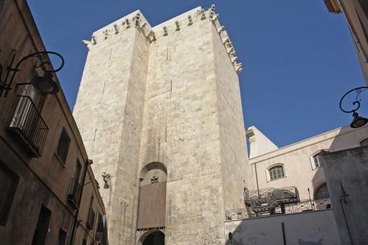 Cagliari_burg_elefantenturm