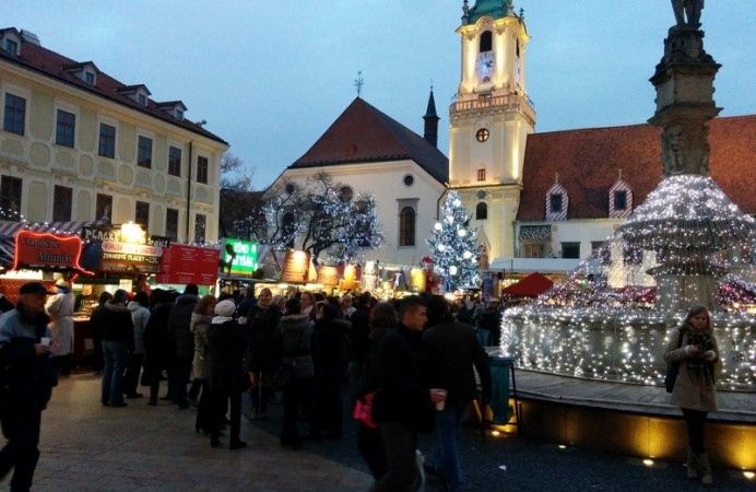 Christmas-Market-Main-Square-Bratislava1