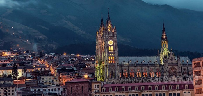 colonial-quito-basilica-at-night