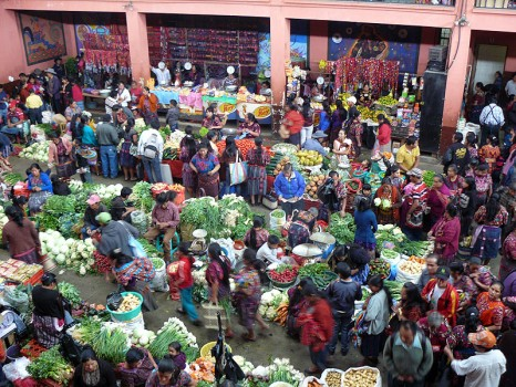 gu1014fd206_market-chichicastenango
