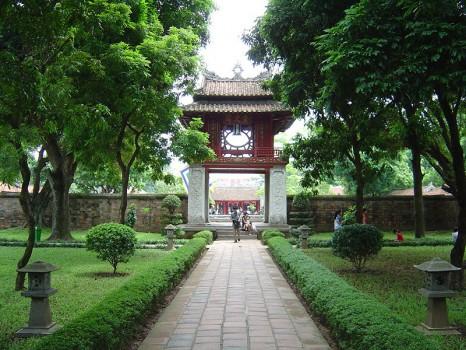 Hanoi-temple-of-literature-466x350