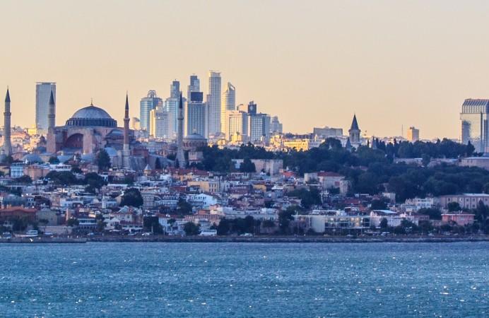 Istanbul_panorama_and_skyline (1)