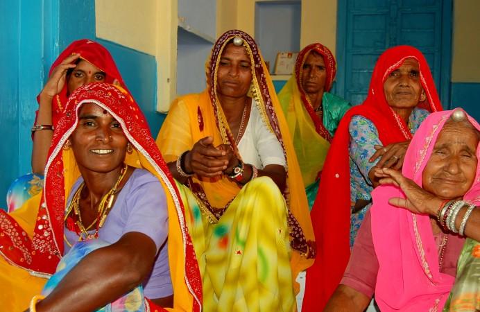 Ladies_of_Rajasthan,_India