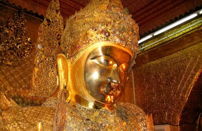 Mandalay-Mahamuni-Pagode-029