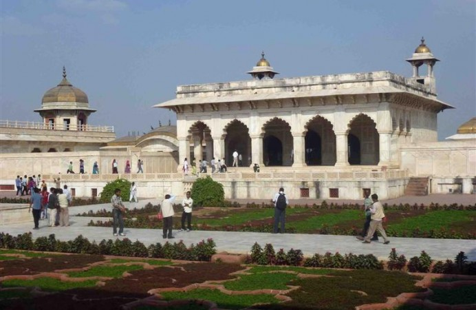 MarblePalaceAgraFort_691 (Medium)