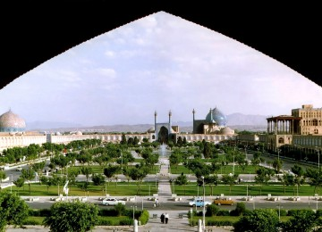 Naghshe_Jahan_Square_Isfahan_modified