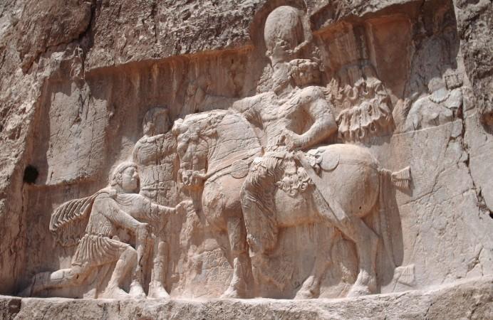 Naqsh-_e_Rostam_VI_relief_Shapur_Ist