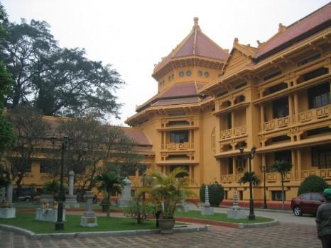 National_Museum_of_Vietnamese_History_-_Hanoi-466x350