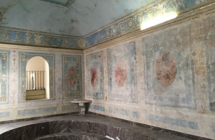 salone-della-vasca-pareti