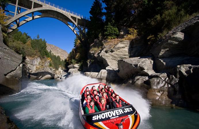Shotover Jet Boat Ride queenstown