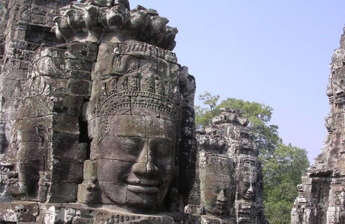 Stone faces at Angkor - Image credit Yosemite (Wikipedia User)