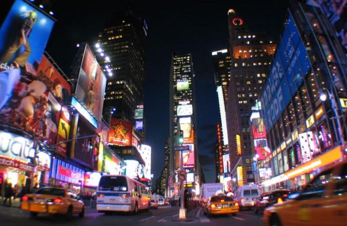 Times-Square-New-York-giro-del-mondo-in-80-giorni