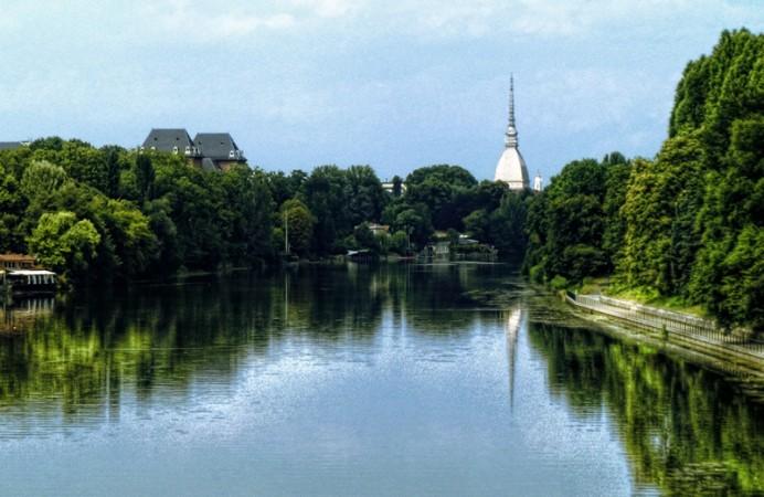 Torino-verde-pubblico-sul-fiume