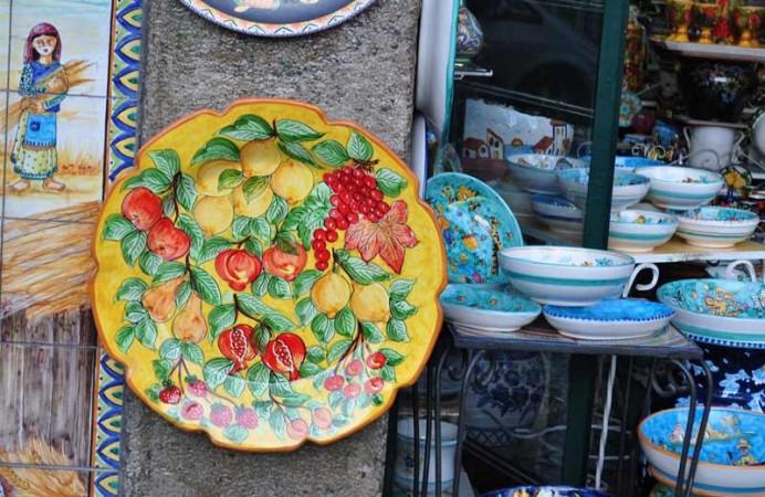 vietri_-_ceramiche_-_photo_by_manlio-gaddi_-_flickr