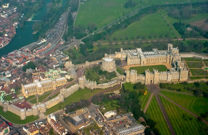 Windsor_Castle_from_the_air