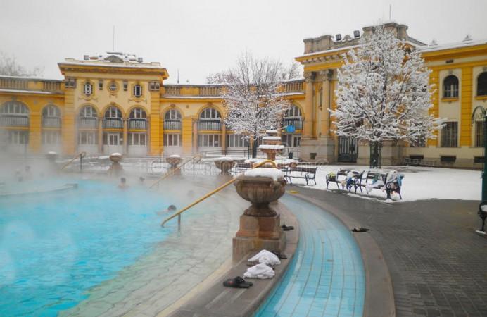bagno-termico-di-szechenyi-budapest-44739014