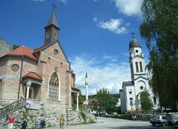 bosanska_krupa_churches