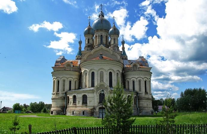cathedral-kukoboy-village-yaroslavl-russia-2