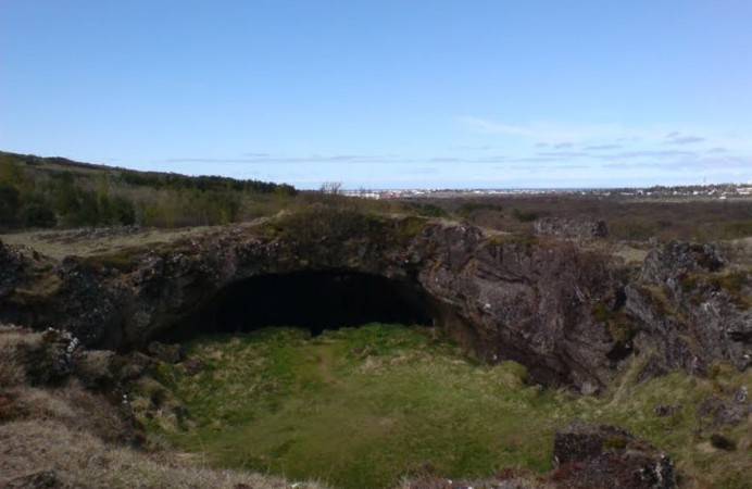 caves-in-iceland-3