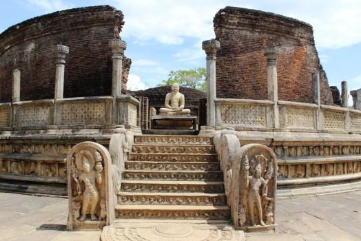 dagoba-polonnaruwa