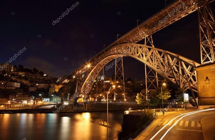 depositphotos_7581196-stock-photo-dom-luis-bridge-illuminated-at