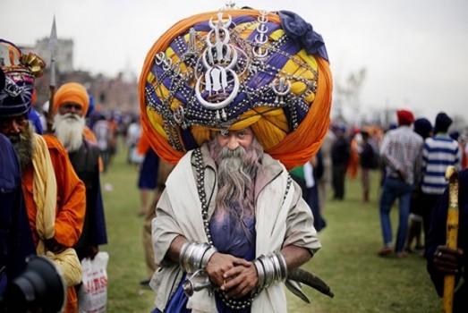 festa india holla mohalla