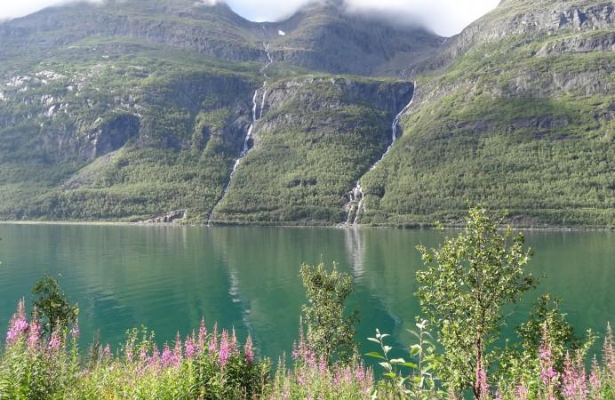 fiordi-verdi-in-norvegia