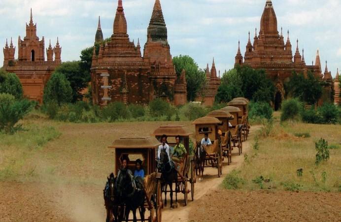 horse-cart-bagan