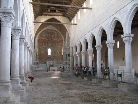interno_basilica_aquileia_archivio_turismo_FVG