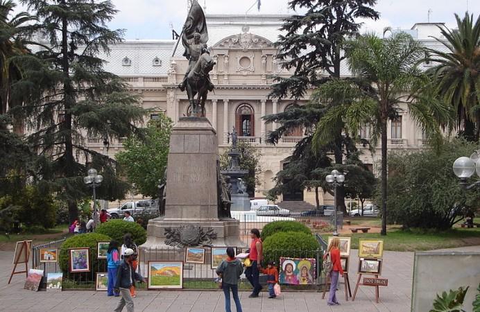 jujuy-plaza-belgrano
