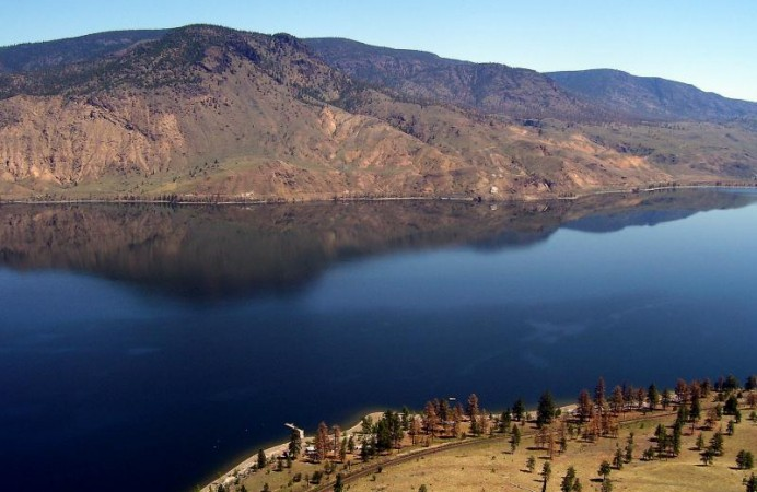 kamloops_lake