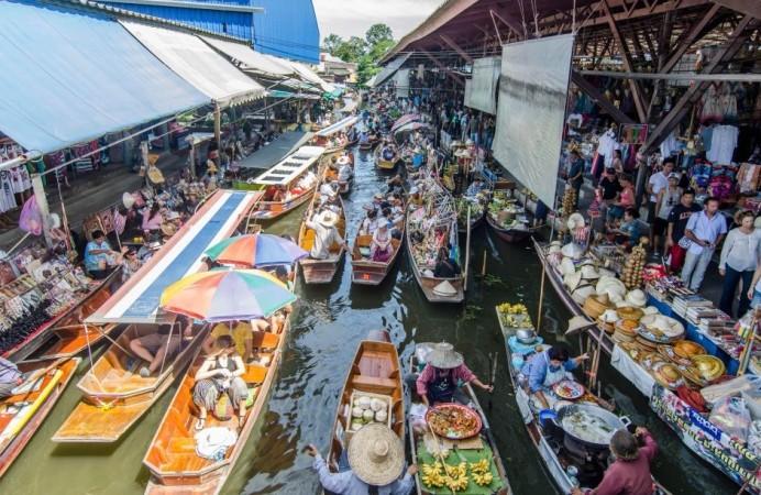mercato-galleggiante-di-bangkok_6678511
