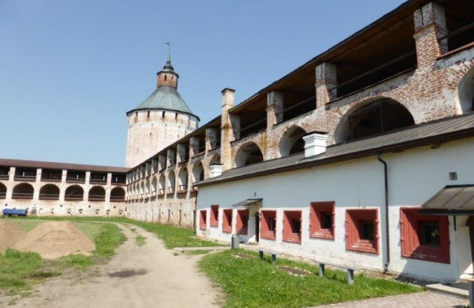 monestry-prison-tt