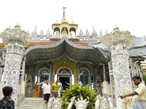 paresnath-temple-calcutta-kolkata_5171820_m