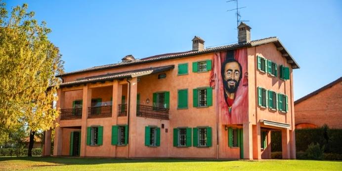 pavarotti-1-900x450