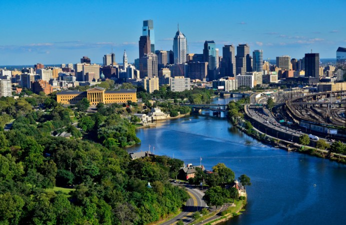philadelphia-skyline-background-image2-1800vp-1000x600