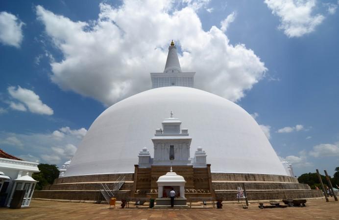 photo-ruwanwelisaya-anuradhapura-42235-xl