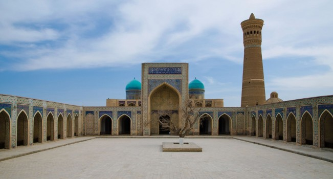 poi-kalyan-mosque-in-bukhara-uzbekistan