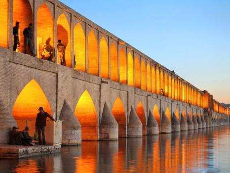 ponte-khajoo-a-zayandeh-800x600